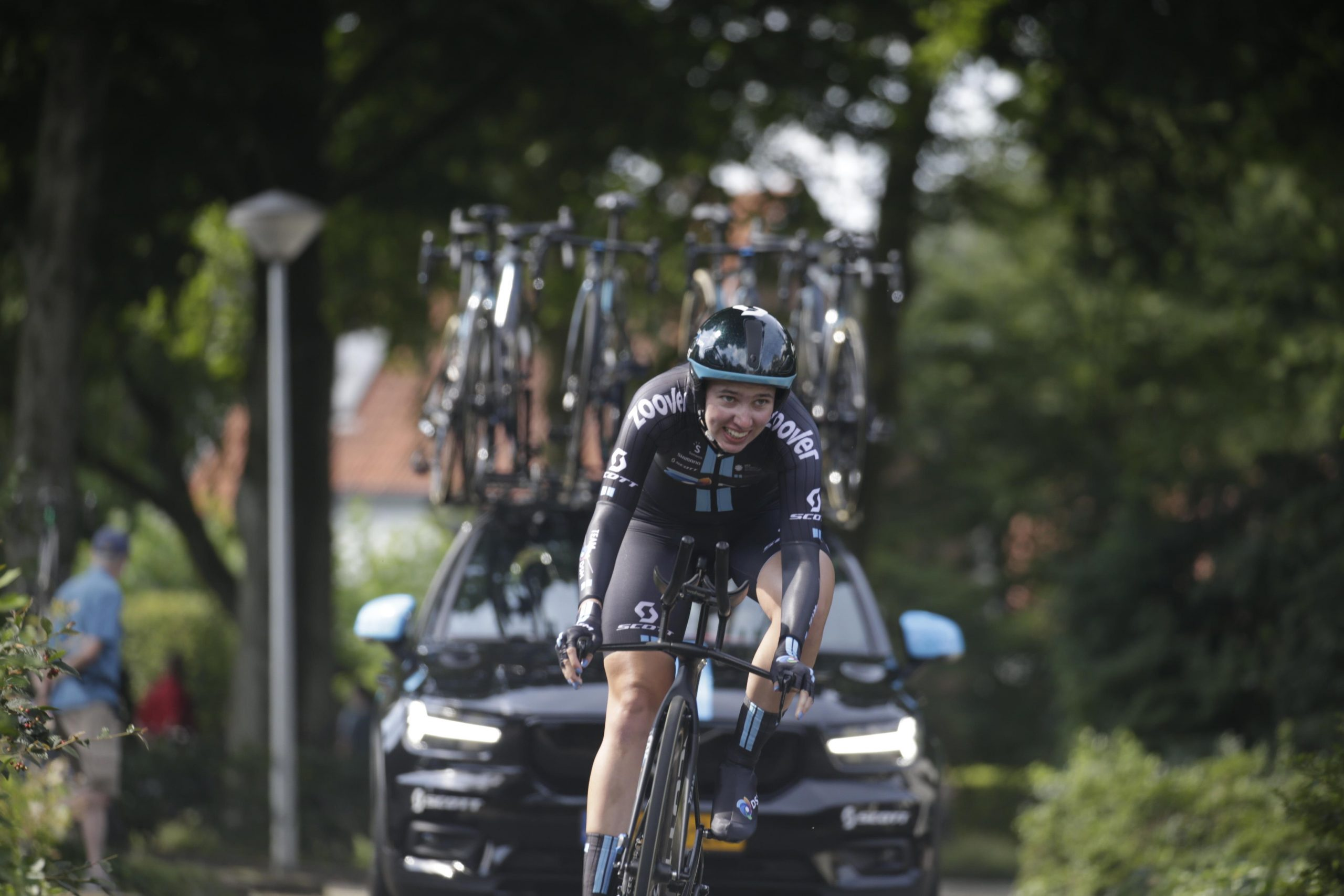 Specialists do battle in flat and powerful TT in Gennep